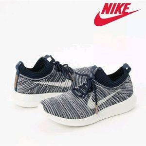 🔥NWT Nike Roshe Two Flyknit V2 Running Shoes